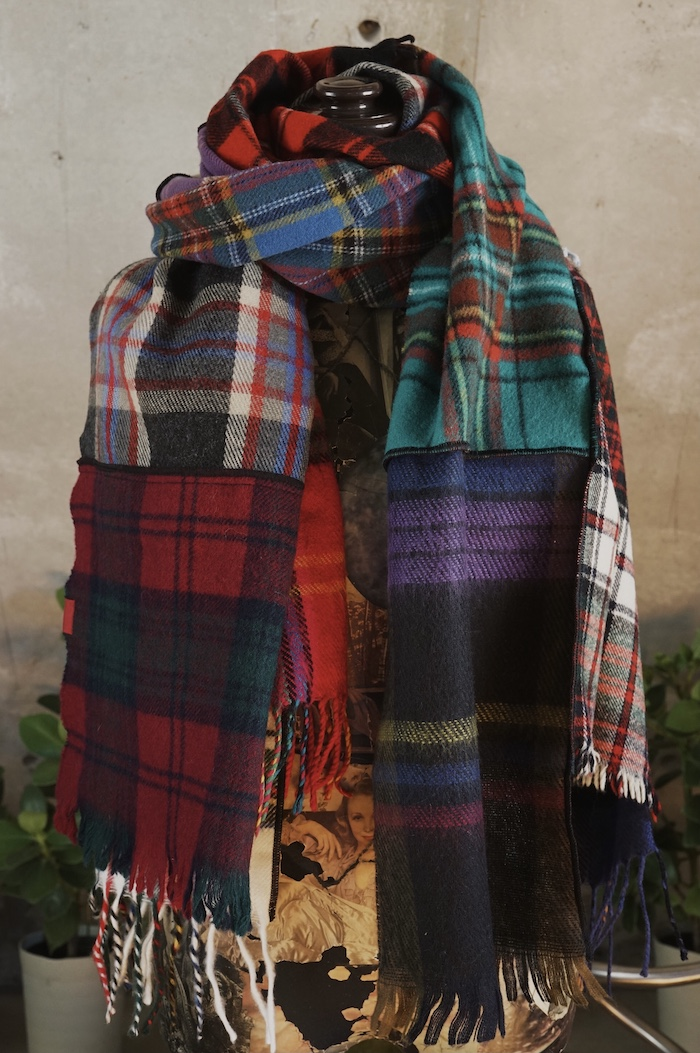 DEPT CRAZY CHECK STOLE